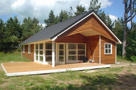 Sommerhus med terrasse